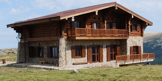 Produciamo e vendiamo case di tronchi, case di legno