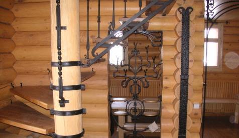 Tronchi case di legno rotondo legname di cedro larice pino for Piani di case in cedro