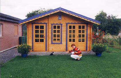 Vindem case de lemn, de locuit