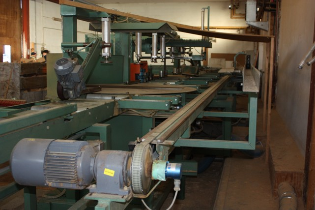 Vindem utilaj BURMEK SPL270-3 de tip CNC