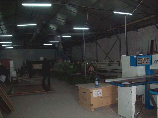 Vand fabrica de mobila si case din lemn la cel mai bun pret oferit