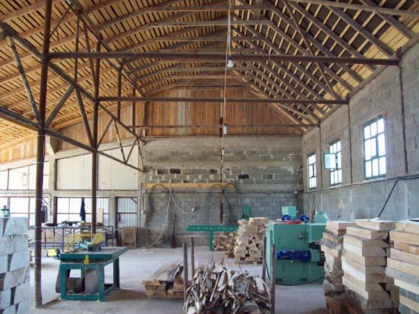 Firma pentru debitat si prelucrat lemn