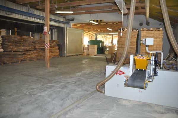 Vindem linie productie lamele ,parchet / gater hidraulic vertical