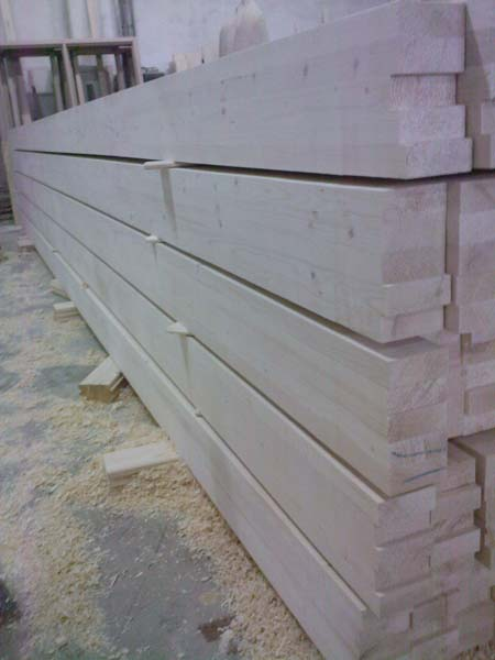 Grinzi lamelare si case din lemn