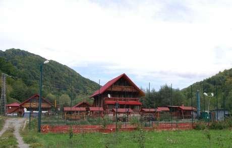 Pensiuni, case, cabane, mobilier de gradina din lemn rotund