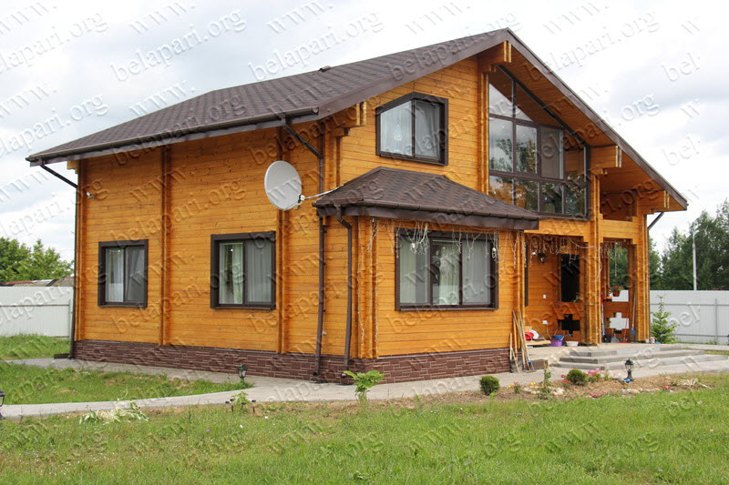Costruzione di case di legno e bagni di travi profilate a for Case di legno romania