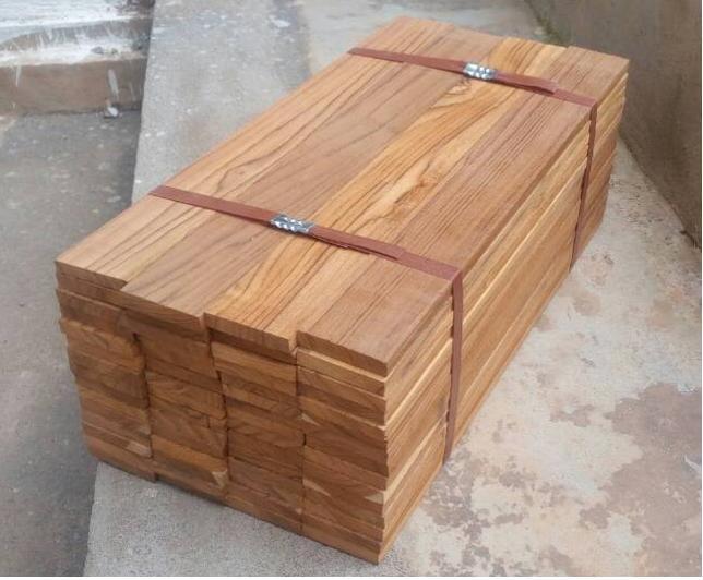 TEAK Wood / Madagaskar