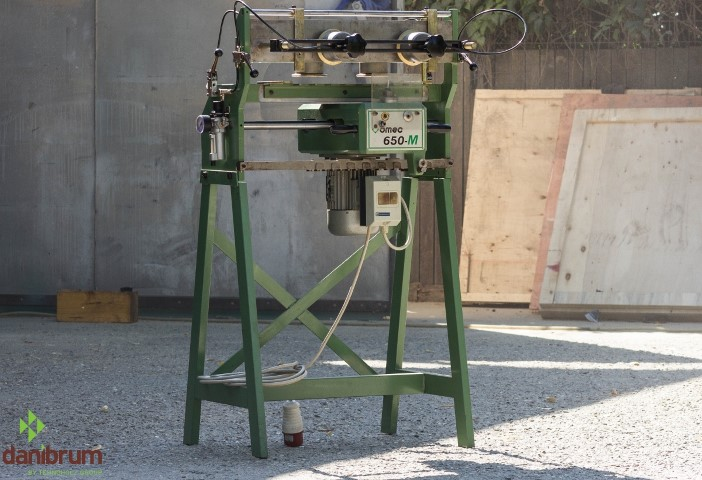 Masina de frezat in coada de randunica OMEC 650 1470