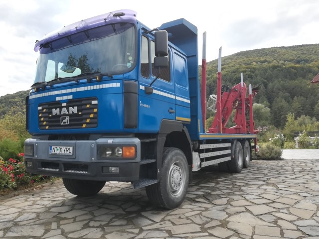 Camion forestier MAN 6x6 transport busteni cu macara LogLift 135 Z de vanzare