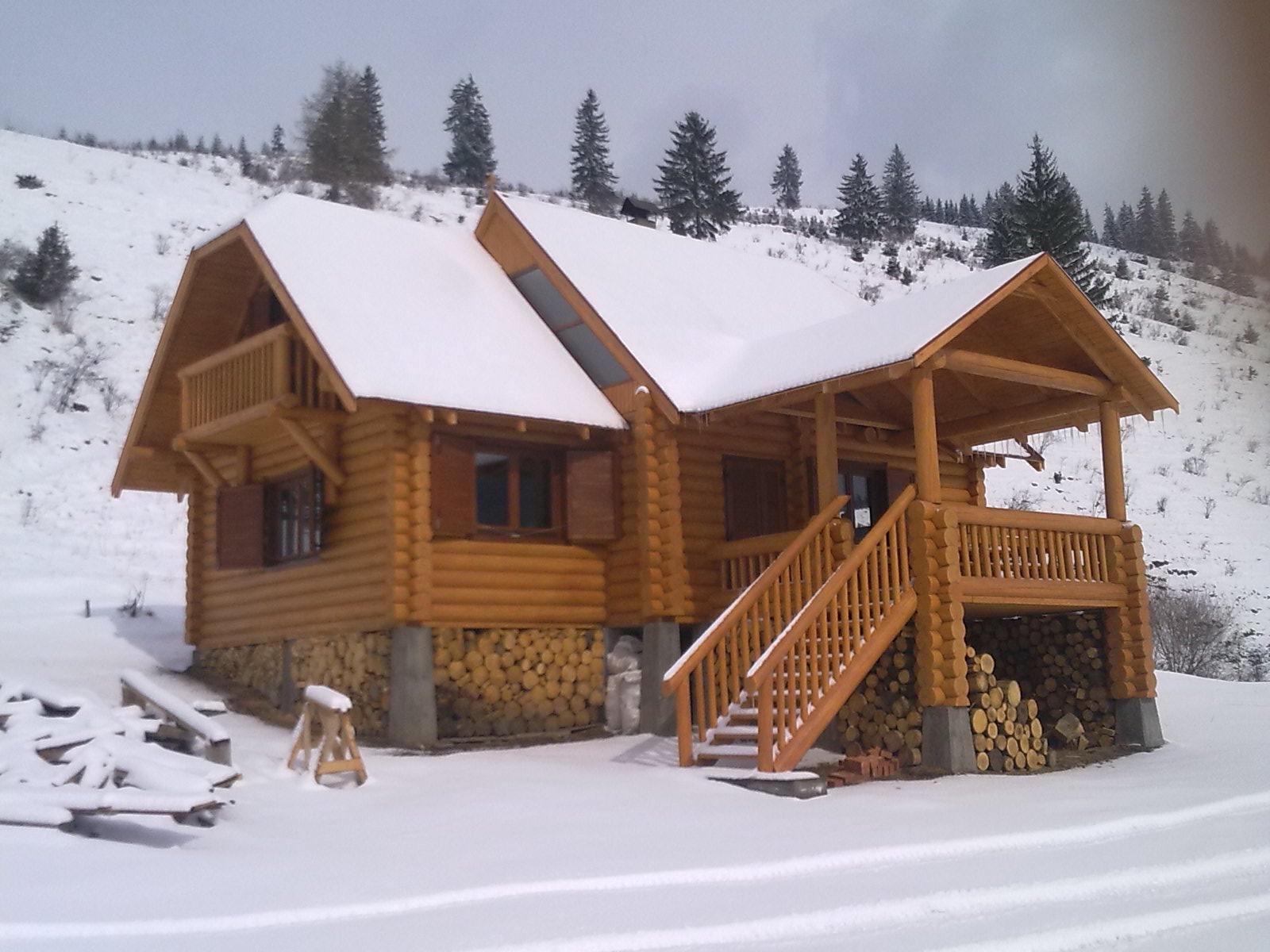 Case cabane din busteni rotunzi id produs for Case de lemn rotund